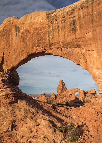 archesnp travel usa utah cliff naturalarch nature rock sunrise