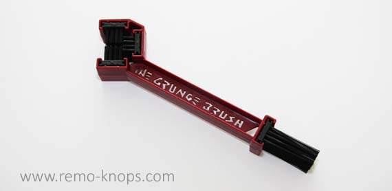 Finish Line Grunge Brush 7509
