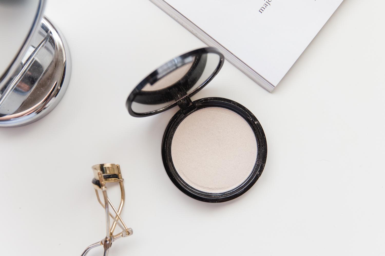nyx-cosmetics-illuminator