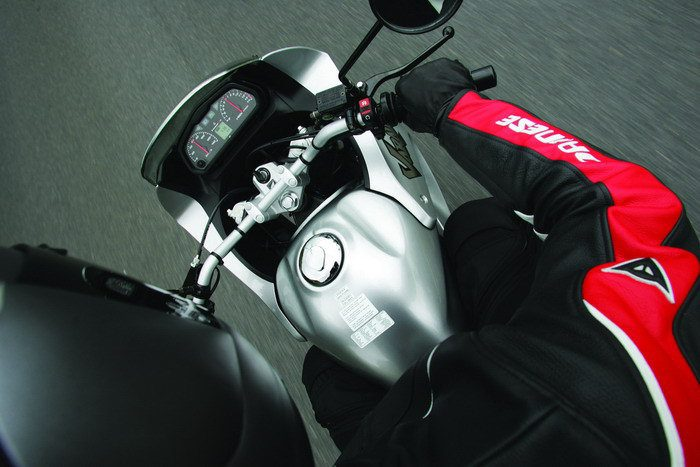 Honda 125 VARADERO XLV 2004 - 12