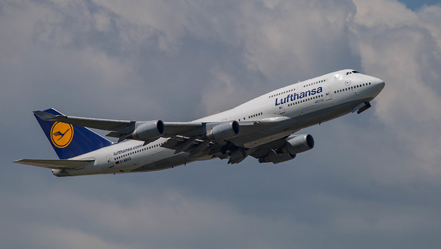 Boeing 747-400 D-ABVO