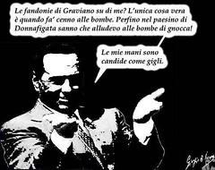 La cortesia che Berlusconi ha chiesto al boss riguardava una gnocca esplosiva