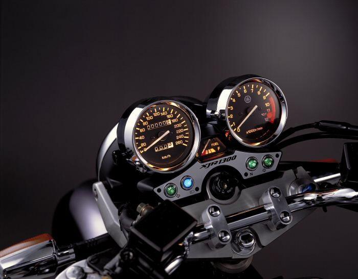 Yamaha XJR 1300 2000 - 4