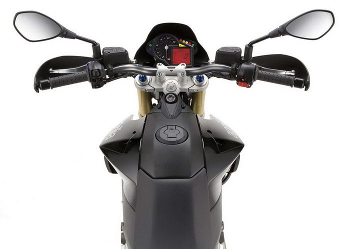 Aprilia SMV 750 DORSODURO 2012 - 25