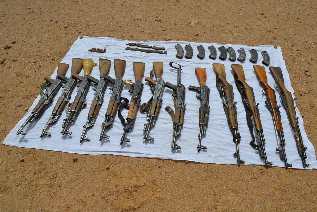 مكافحة الارهاب في الجزائر - صفحة 2 33899044454_bbc4270f3f_b