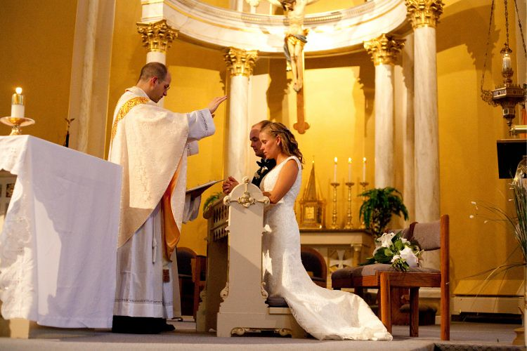 Hôn nhân giữa người Công giáo và người vô thần có thành công không?