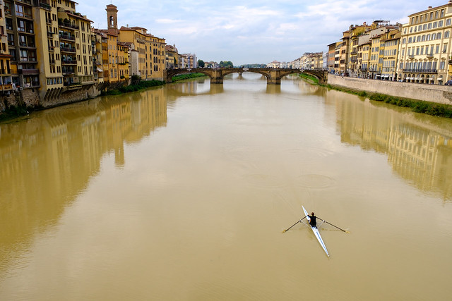 Rowing through Florence, Fujifilm X-Pro2, XF16-55mmF2.8 R LM WR