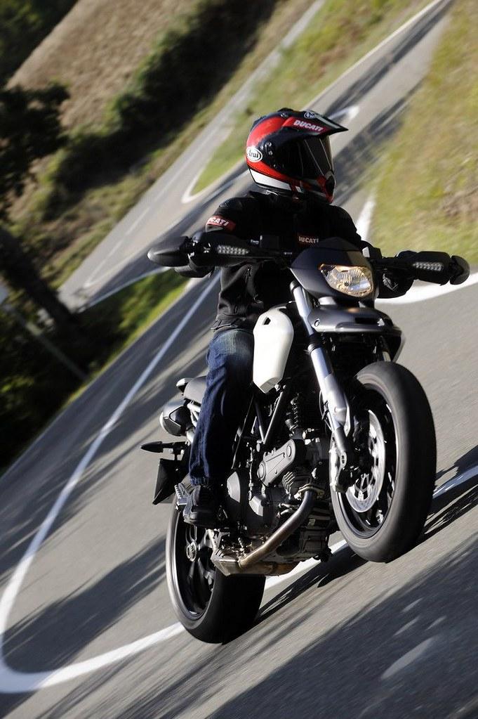 Ducati HM 796 Hypermotard 2010 - 23
