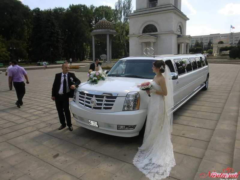 """Прокат лимузинов в Молдове от """"Elitelimo"""" > Cadillac Escalade 2008"""