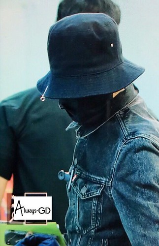 G-Dragon Departure Seoul ICN 2017-05-20 (10)