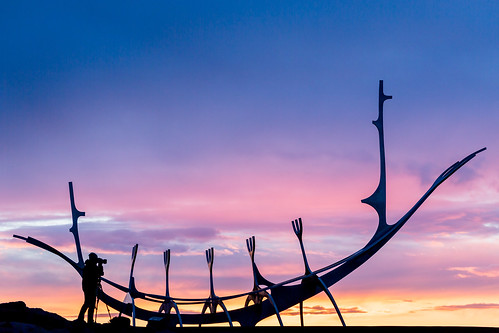 canon 5dmkiii iceland colorful 70200mm sunset solfar sunvoyager silhouette streetphotography