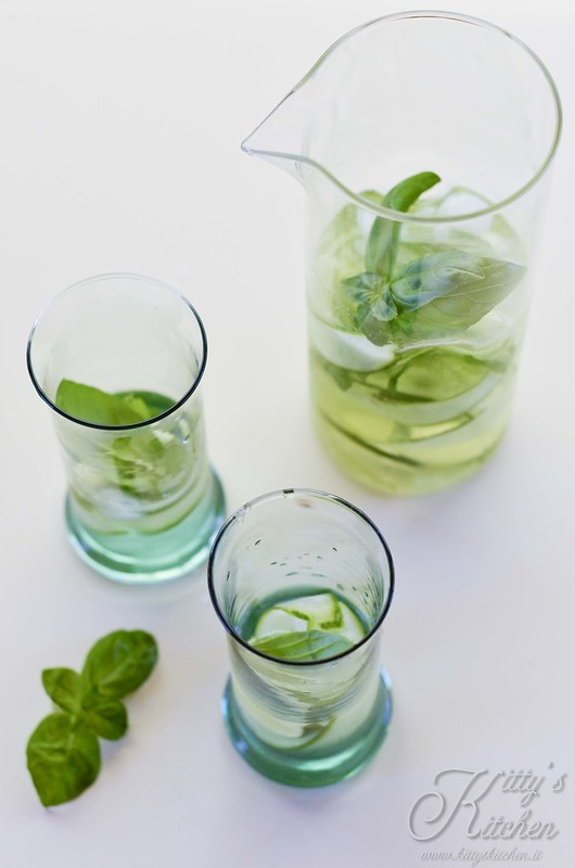 acqua lime cetriolo e basilico