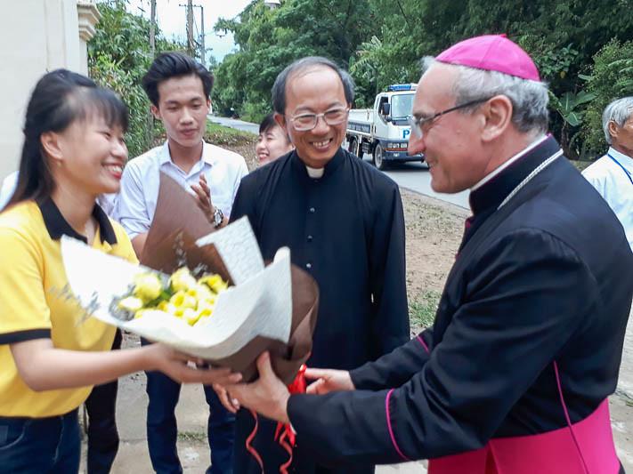 Thánh lễ mừng Chúa Ba Ngôi tại gx Phú Hương cùng với Đức TGM Leopoldo Girelli và ĐGM Giáo phận Đà Nẵng