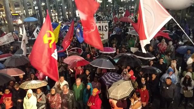 """Centenas de pessoas participaram do """"Arraial de Lutas"""" na Praça da Sé, em São Paulo - Créditos: Norma Odara"""