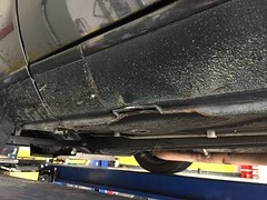 Project Re-30 5/19/2017: Fresh Diamantschwarz front bumper repair & respray; Assessing the rocker damage to repair.