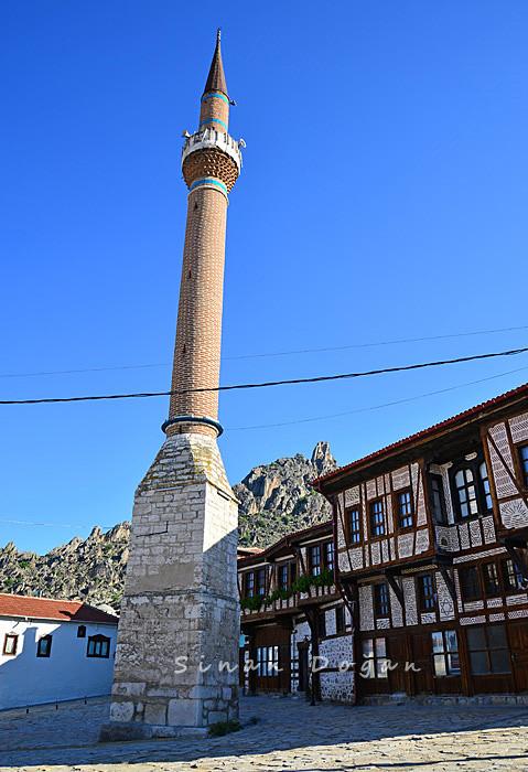 Kılıç Minaresi
