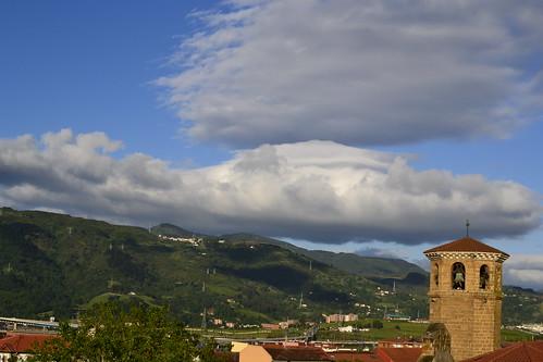 Aparecen grandes nubes
