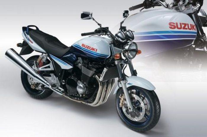 Suzuki GSX 1400 2003 - 12