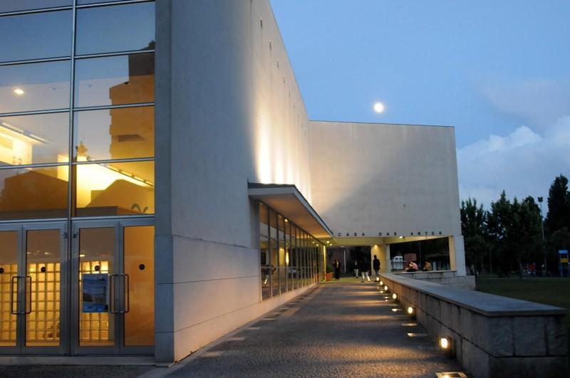 Conferência decorrerá na Casa das Artes