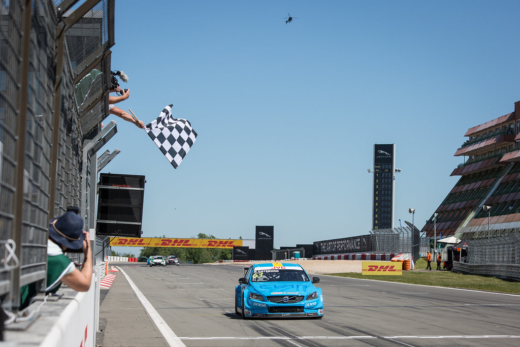 63 CATSBURG Nicky (ned), Volvo S60 Polestar team Polestar Cyan Racing, action chequered drapeaux flag damier during the 2017 FIA WTCC World Touring Car Race of Nurburgring, Germany from May 26 to 28 - Photo Antonin Vincent / DPPI