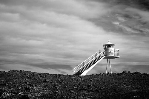 urðaviti lighthouse leuchtturm phare is islande iceland islanda islandia suðurland vestmann heimaey black white noir et blanc nb bw