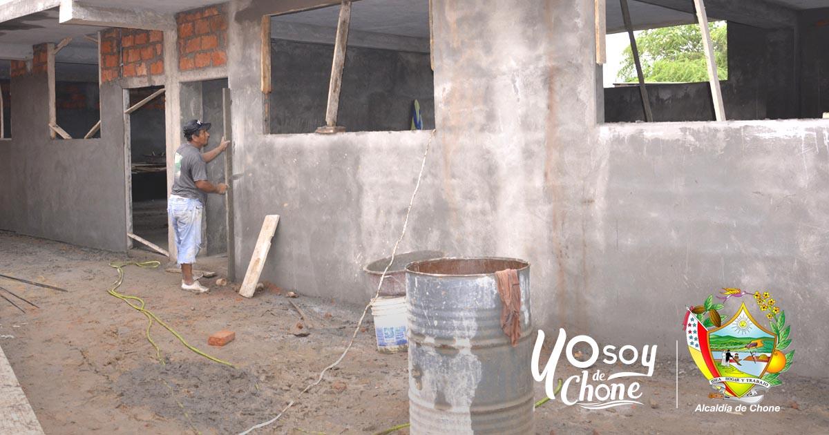 Avanzan los trabajos municipales en construcción de 4 aulas en escuela Juntos Venceremos