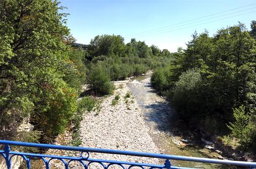 Fast ausgetrockneter Fluss in der Provence