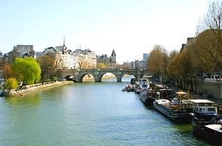 PICT0017/Paris City/Seine et Ile de la Cité/Pont Neuf/
