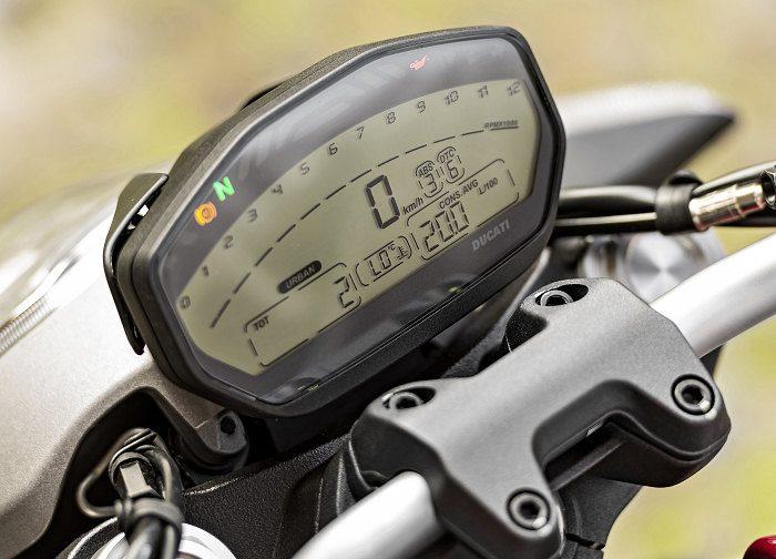 Ducati 821 Monster 2014 - 19