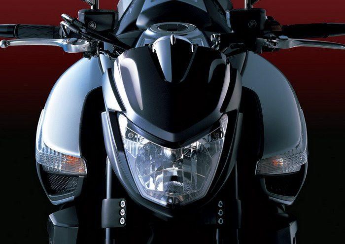 Suzuki B-KING 1300 2007 - 4