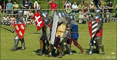 Ah ce que l'on est serré dans ces armures chantent les chevaliers ...