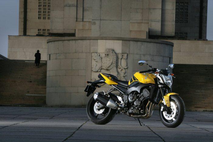 Yamaha FZ1 1000 2015 - 23