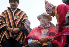 05/25/2017 - 11:41 - Cochasquí, Quito, jueves 25 de mayo del 2017 (Andes).-El presidente de la república Lenin Moreno recibió el Bastón de Mando de parte de representantes de pueblos y nacionalidades indígenas. Foto:Andes/César Muñoz