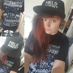 Just your local sci-fi representative with my #xfiles field agent hat, hitchhickers guide to the galaxy t-shirt and #alien #pentagram leggings #me #thgttg #hgttg