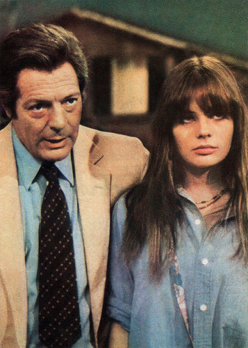 Marie Trintignant and Marcello Mastroianni in La terrazza (1980)