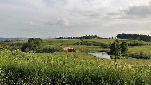 sugarcreek ohio grass hills panorama