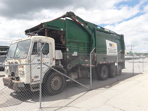 Wast Management Peterbilt 320 Mcneilus FL