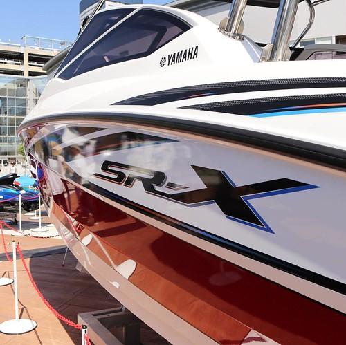 2017年モデルの、SR-X 24が展示されてた。580万くらいからだったかな。誰か、買う? #ヤマハマリン #マリンカーニバル #豊洲
