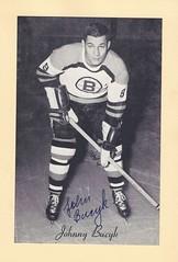 "1944-63 Beehive Hockey Photo / Group II - JOHNNY ""JOHN"" BUCYK (Left Wing) (Hockey Hall of Fame 1981) - Autographed Hockey Card (Boston Bruins) (#8)"