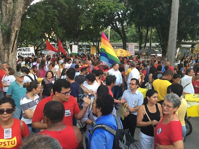 Gravações contra Temer repercutem em Pernambuco, mas ministros continuam no governo