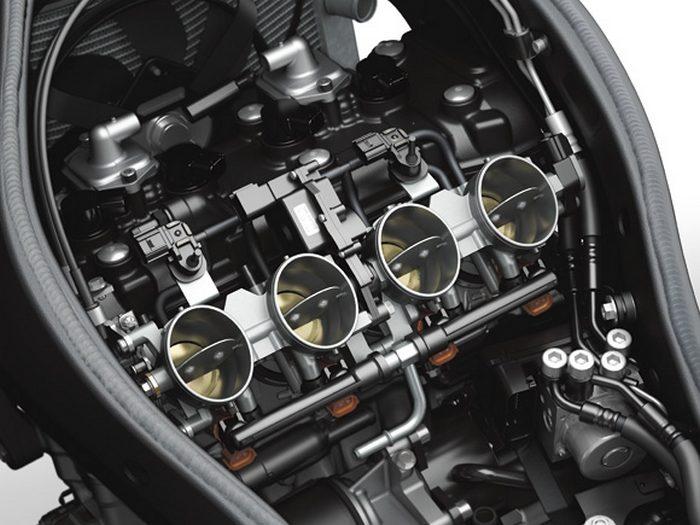 Kawasaki ZX-6 R 636 2013 - 17