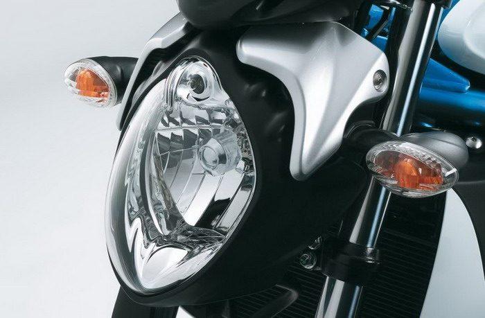 Suzuki SVF 650 GLADIUS 2010 - 4
