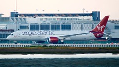 Virgin Atlantic Boeing 787 -9 G-VCRU DSC_0272 taxies toward the Southern international terminal gates