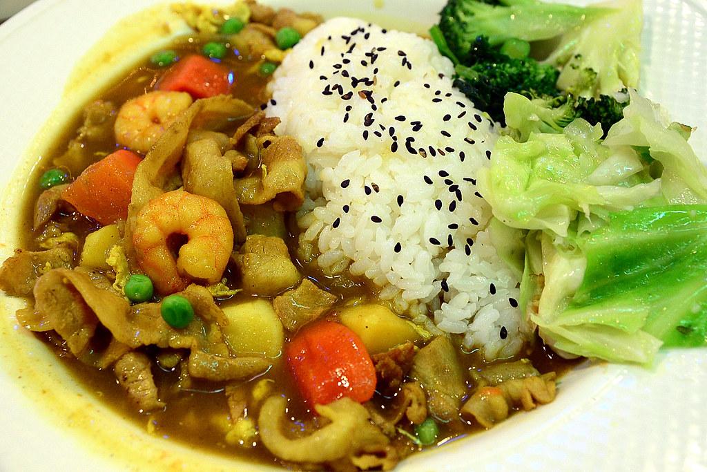 東一排骨-咖哩飯 2012-09-26