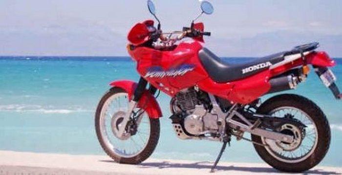 Honda NX 650 Dominator 2002 - 1