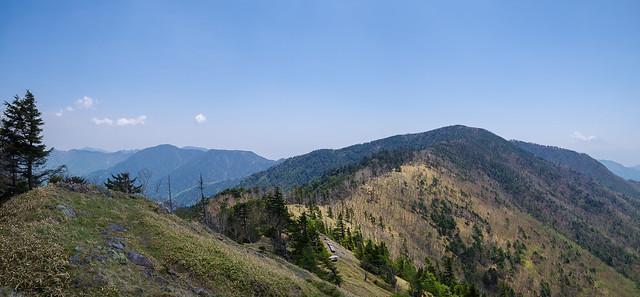 雁坂峠と奥秩父の山々