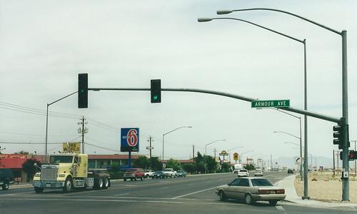 kingman arizona usa road highway 66 route66 street streetlighting streetlights lamppost lampposts trafficlights motel motel6 stripmall 400views