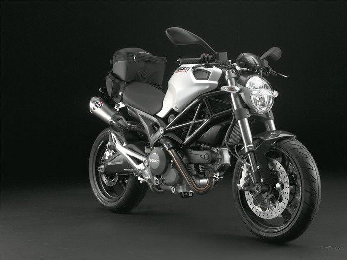 Ducati 696 MONSTER 2008 - 36