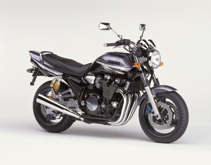 Yamaha XJR 1300 2000 - 3