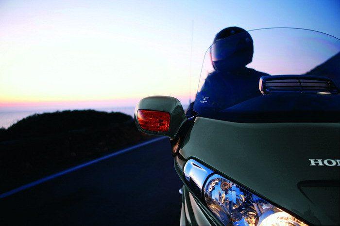 Honda GL 1800 GOLDWING 2010 - 21